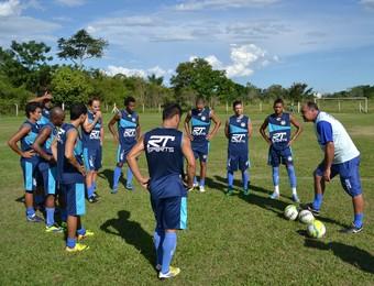 Técnico Ruy Scarpino treino do São José Esporte Clube (Foto: Filipe Rodrigues)