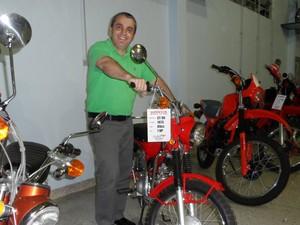 A primeira moto do 'museu' foi comprada em 1987 (Foto: Fernanda Soares/G1)