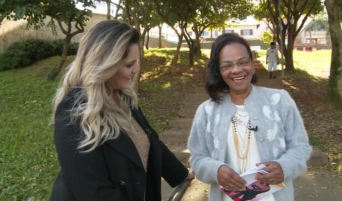 Ex-catadora de recicláveis realiza sonho de escrever livro de poesias (Foto: Reprodução / TV Diário )