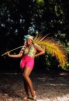 Quinze quilos mais magra, Gaby Amarantos posa para ensaio de moda em clima tropical