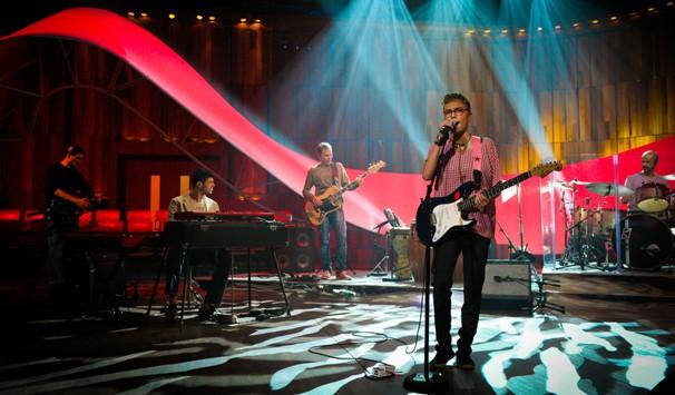 Maria Gadú canta 'Divino Maravilhoso', 'Arrastão', 'Andança' e 'Universo do teu corpo' (Foto: João Cotta/ TV Globo)