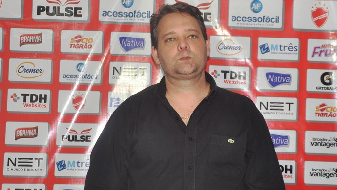 Guto Veronez, presidente do Vila Nova (Foto: Guilherme Gonçalves/GloboEsporte.com)