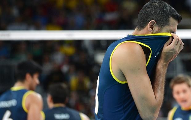 Dante, seleção de Vôlei, Brasil x EUA (Foto: Agência AFP)