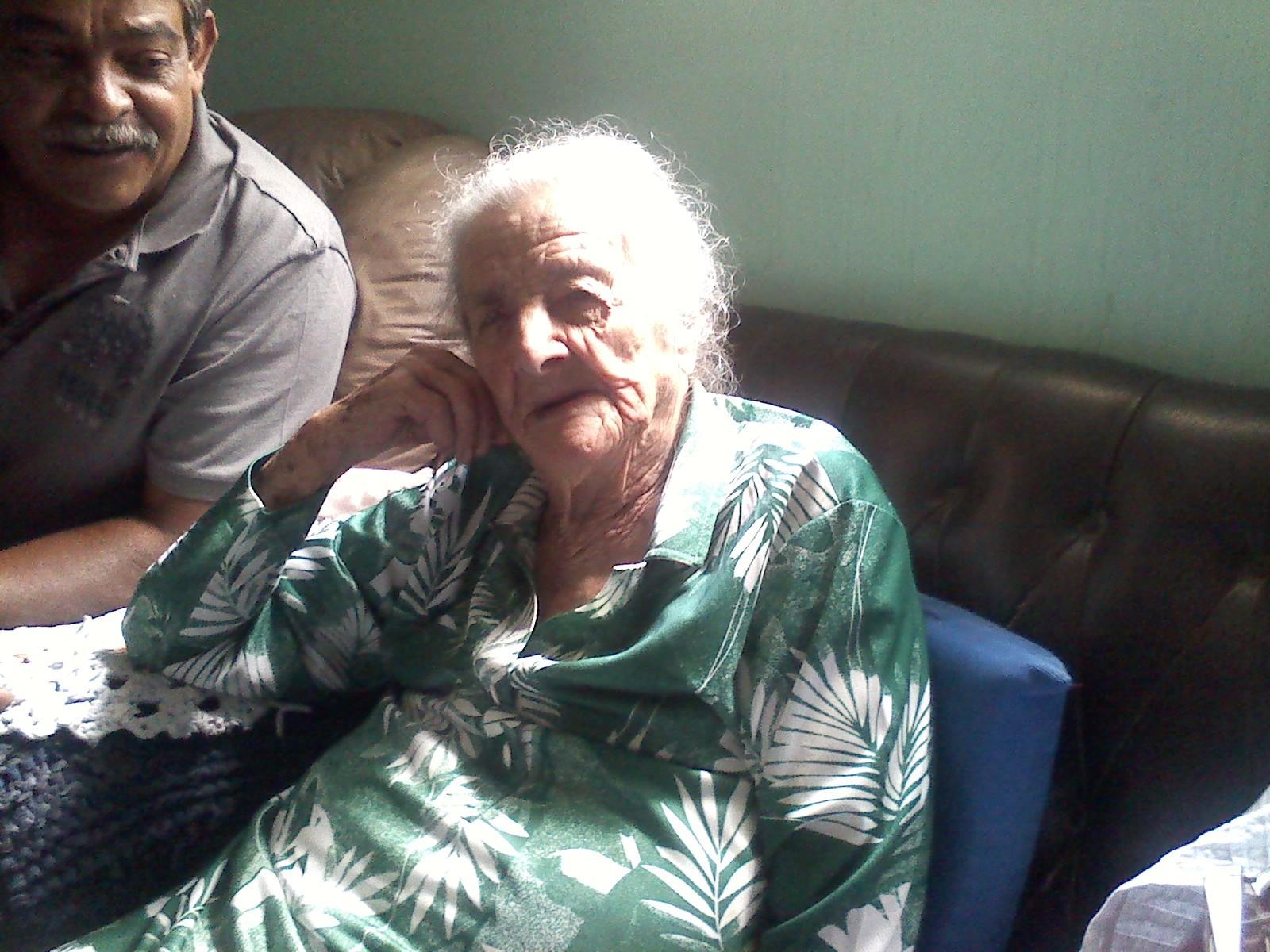 Maria Francisca Domingues, moradora de Itapetininga (SP), completou 103 anos neste domingo (20). (Foto: Carlos Alberto Soares / TV Tem)