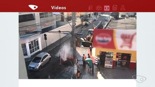 Cano estoura durante obra e provoca grande vazamento em avenida de Guarapari, ES