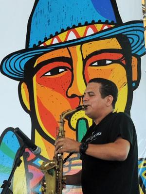 Homenageado, Spok comanda um grande show de frevo na abertura do Carnaval (Foto: Marina Barbosa / G1)