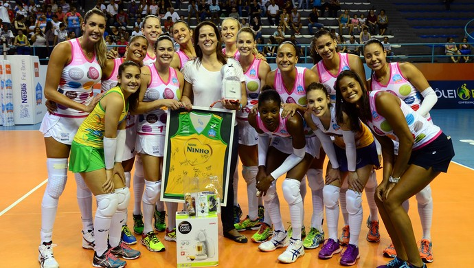 Osasco homenagem elisângela vôlei superliga feminina (Foto: João Pires/Fotojump)