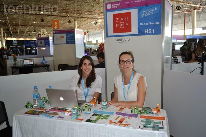 A Zah Pee é de Belo Horizonte e veio para Campus Party divulgar a marca (Foto: TechTudo/Melissa Cruz)