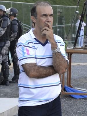 Luciano Chequini, técnico do São Mateus (Foto: Sidney Magno Novo/GloboEsporte.com)