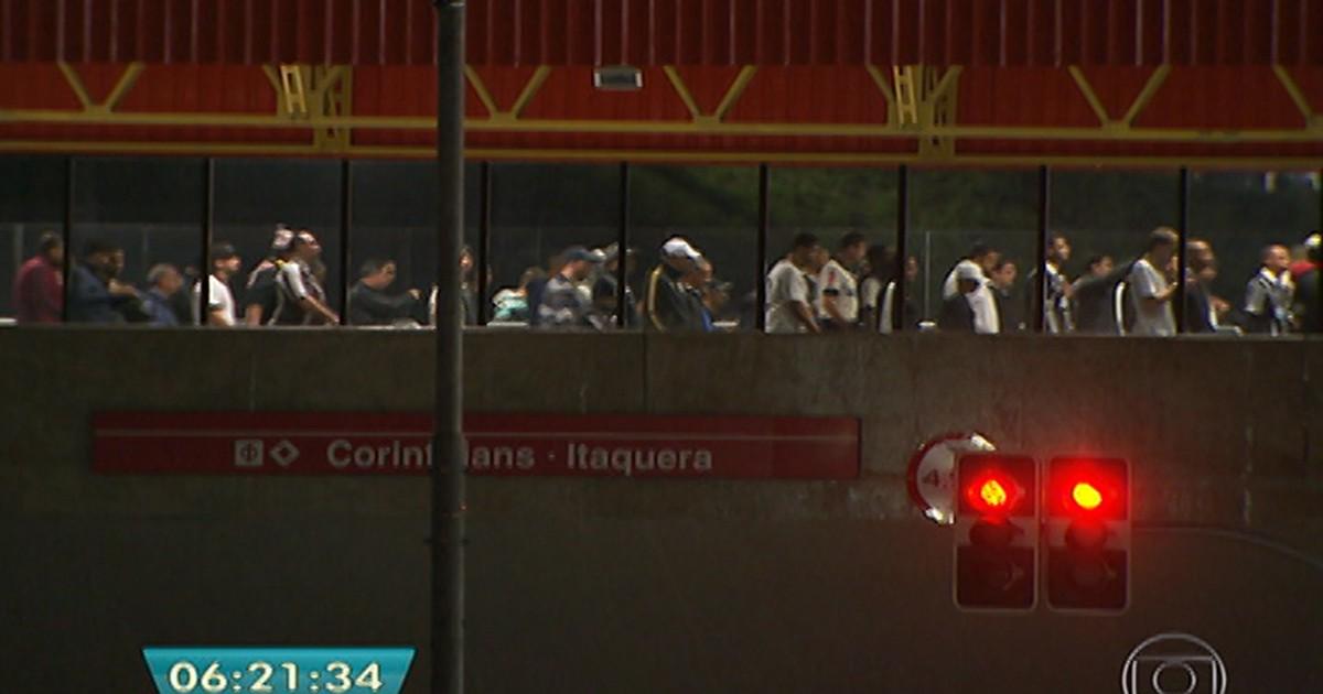 G1 - Trens do Metrô funcionarão até mais tarde nos dias de jogos às 22h -  notícias em São Paulo 5b4ea53b212d5