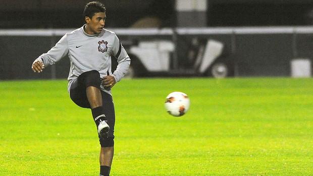 Treino do Corinthians, Paulinho (Foto: Marcos Ribolli  / Globoesporte.com)