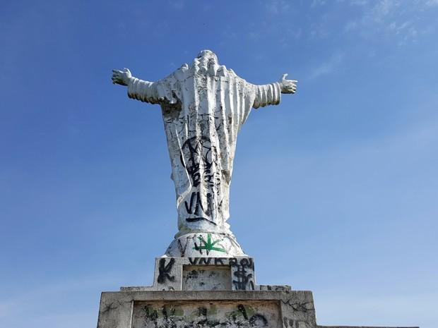 Estátua do Cristo na Fonte Sônia, em Valinhos (Foto: Fernando Pacífico / G1)