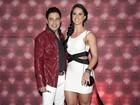 Graciele Lacerda, com Zezé Di Camargo, usa look justíssimo em show