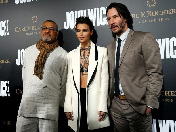 Laurence Fishburne, Keanu Reeves e Ruby Rose em première de filme em Los Angeles, nos Estados Unidos (Foto: Mario Anzuoni/ Reuters)