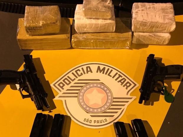 Suspeito foi preso durante blitz na Rodovia SP-258 (Foto: Divulgação/ Polícia Rodoviária Itararé)