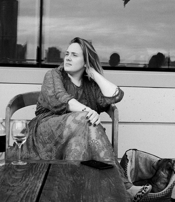 Adele revela depressão pós-parto (Foto: Reprodução/Instagram)