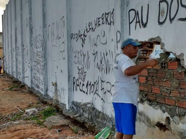 Buracos entre o Pavilhão 4 e 5 juntou facções rivais  (Foto: G1/RN)
