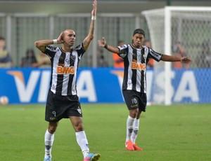 Diego Tardelli, Atlético-MG x São Paulo (Foto: AFP)