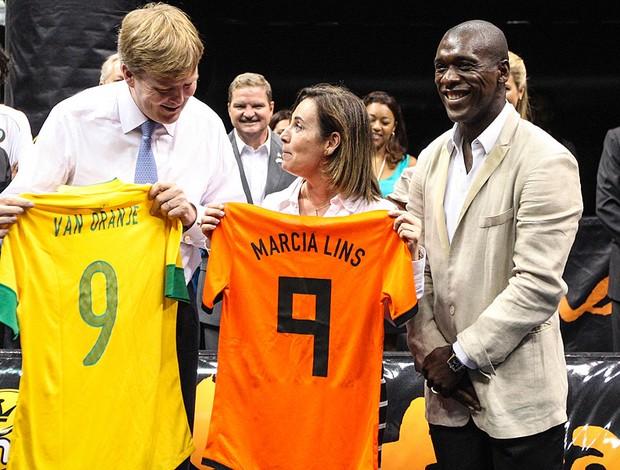 Seedorf encontro com o príncipe Willem Alexander Rio de Janeiro camisas (Foto: Vanessa Carvalho / Ag. Estado)