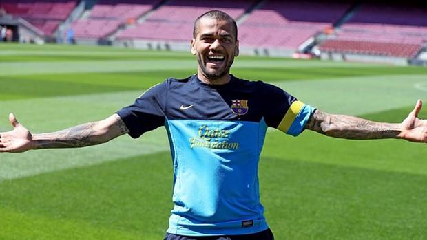 Daniel Alves barcelona treino (Foto: Miguel Ruiz / FC Barcelona)