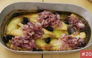 Receita imbatível de bacalhau ao forno com batatas e azeitonas pretas