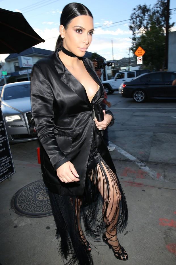 X17 - Kim Kardashian em Los Angeles, nos Estados Unidos (Foto: X17online/ Agência)
