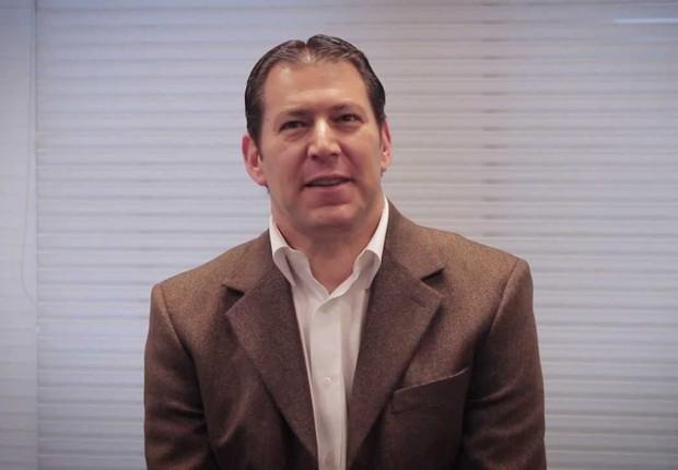 Executivo Victor Mezei (Foto: Reprodução/YouTube/Pfizer)