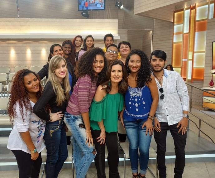 Depois do programa Fátima tira foto com a plateia  (Foto: Juliana Hippert/Gshow)