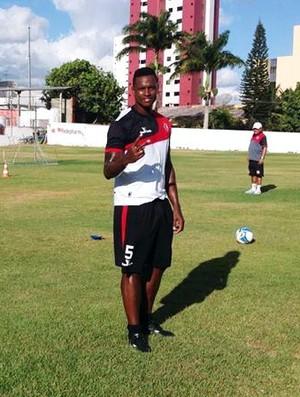 Gabriel Valongo, zagueiro do Campinense  (Foto: Divulgação / Campinense)