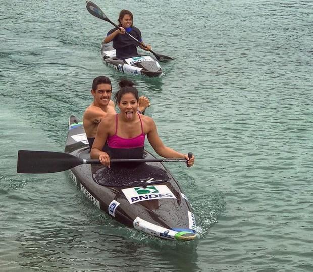 Ingrid Oliveira praticando canoagem (Foto: Reprodução/Instagram)