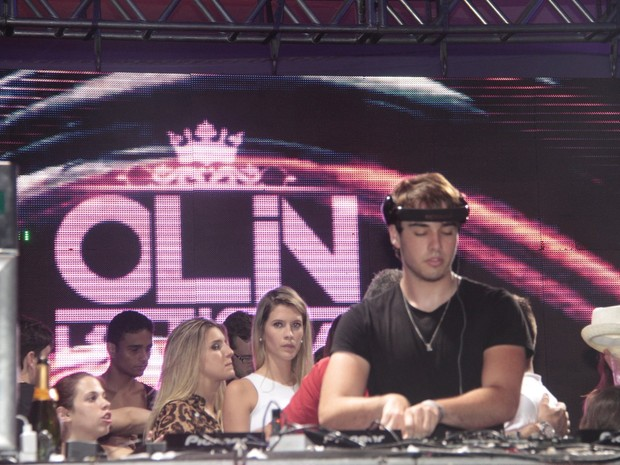 Olin Batista toca em festa na Marina da Glória, Zona Sul do Rio (Foto: Isac Luz/ EGO)