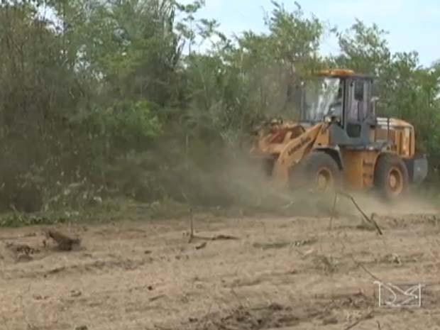 Área onde dever ser construído novo presídio de São Luís já recebeu apenas serviços de limpeza. (Foto: Reprodução/TV Mirante)