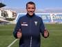 Lateral Pedro Botelho, ex-Atlético-PR e Galo, é apresentado pelo Estoril-POR