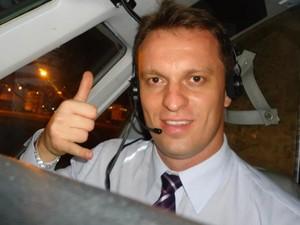 Francisco Henrique Tofoli Pinto era o copiloto do avião do Bradesco que próximo à divisa de Goiás com MG (Foto: Reprodução/ Facebook)