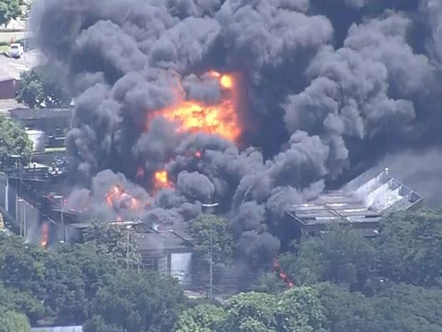 Incêndio na Chesf foi informado aos Bombeiros pouco antes das 10h desta quarta (6) (Foto: Reprodução/TV Globo)