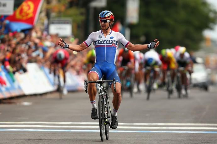 Peter Sagan ao se tornar campeão mundial de ciclismo em Richmond, 2015 (Foto: Getty Images)