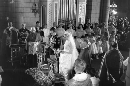 A cerimônia religiosa na Catedral de São Nicolau, em Mônaco (Foto: Reprodução)