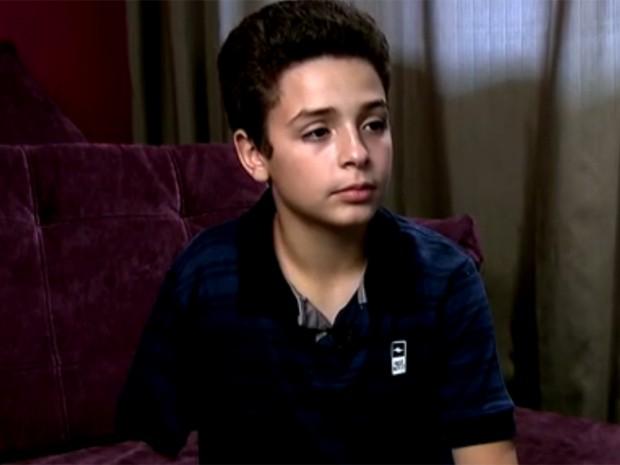 Vrajamany Fernandes Rocha, de 11 anos, voltou à escola, em São Paulo, nesta semana (Foto: Reprodução/TV Globo)