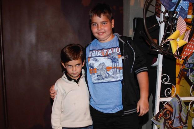 Filhos de Faustão chegam à festa de Arthur, filho de Eliana (Foto: Manuela ScarpaManuela Scarpa e Marcos Ribas/Foto Rio News)
