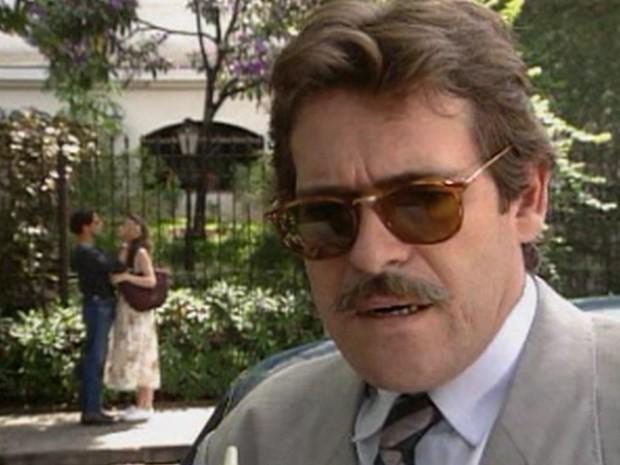 José de Abreu é o detetive contratado por Eliana (Patricia Pillar)