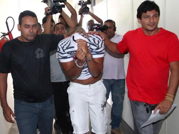 Renan se apresentou à polícia nesta terça-feira (12) (Foto: Gilson Teixeira)