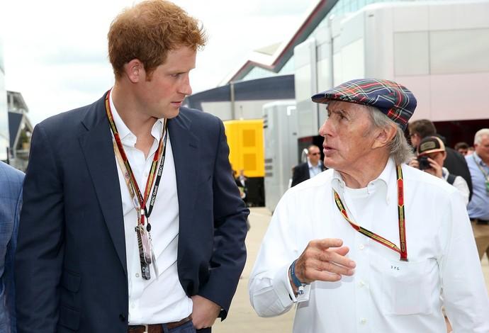 Príncipe Harry e Jackie Stewart no GP da Inglaterra de 2014 (Foto: Getty Images)