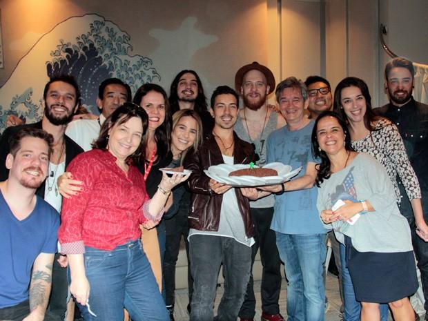 Di Ferrero ganha festa de aniversário surpresa nos bastidores do Altas Horas (Foto: Marcos Mazini/Gshow)