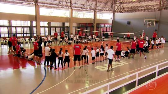 Esporte coletivo promove o respeito ao próximo e o trabalho em equipe