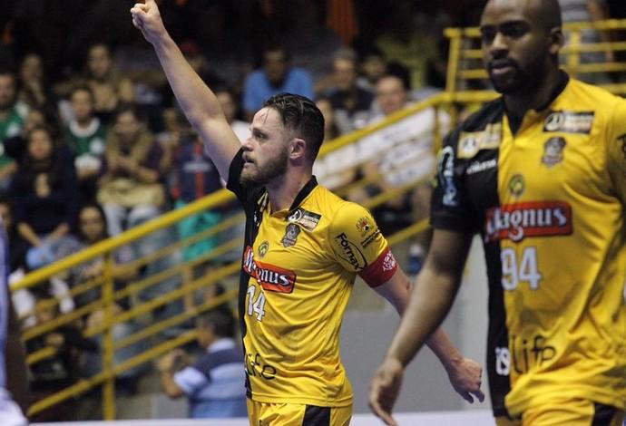 Rodrigo Sorocaba x Foz Cataratas Liga Nacional de Futsal (Foto: Guilherme Mansueto/Magnus)