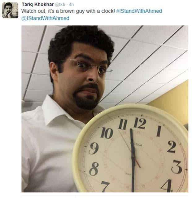 """""""Cuidado, um garoto moreno com um relógio"""", diz usuário do Twitter erm apoio à prisão do jovem Ahmed (Foto: Reprodução/ Twitter/ Tariq Khokhar)"""