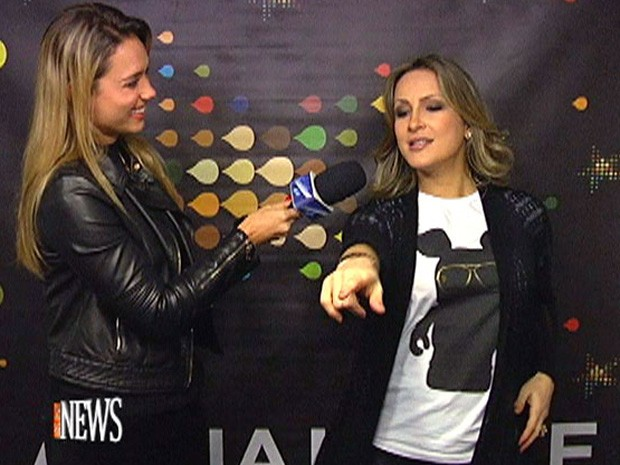 Claudia Leitte ensina a dança do 'Largadinho' (Foto: Vídeo Show/TV Globo)