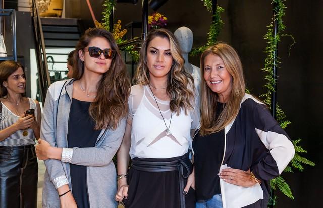 Alexandra Benenti, Karin Matheus e Donata Meirelles (Foto: David Mazzo)