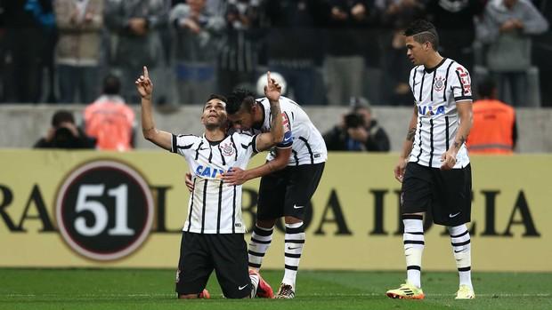 Petros gol Corinthians x Palmeiras (Foto: Marcos Ribolli)