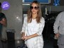 Look do dia: Jessica Alba aposta no visual branco total para viajar